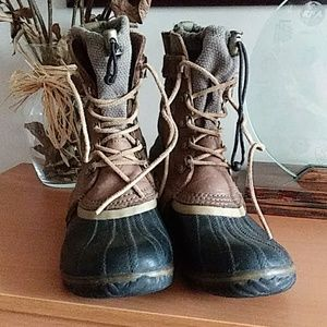 Sorel Carly Conquest Short Boot 8